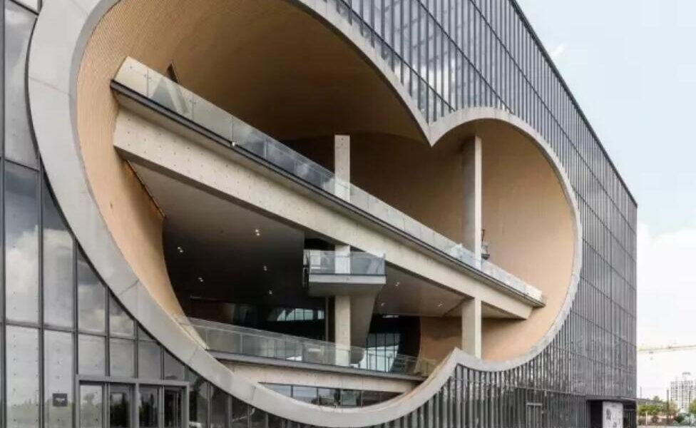 "Architectural Fashion ""Circle"""